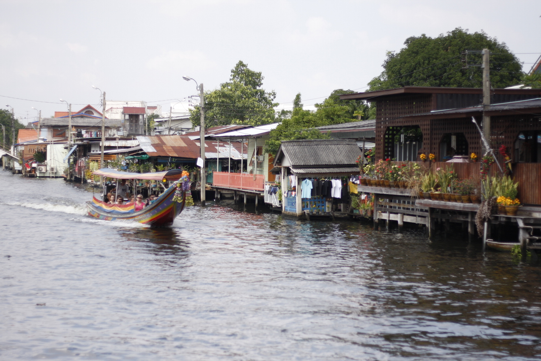 下北沢 カフェ URBAN LOCAL LIVIONG COFFEE Thailand BaanSilapin